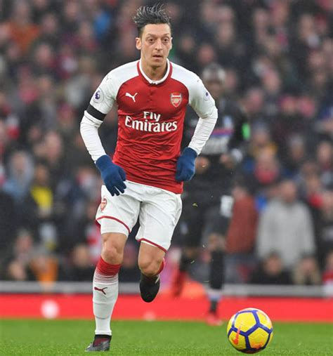 arsenal ozil news mesut ozil contract arsenal finally announce done deal
