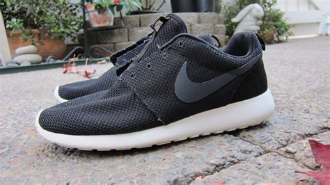 how do you wash running shoes how to clean roshe runs tutorial