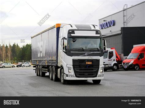 volvo truck 500 100 volvo semi truck price 2018 volvo vnl64t780