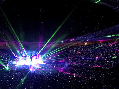 coldplay lights coldplay tour lights up everyone with new technology led bracelets newswire