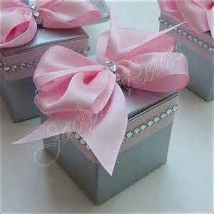 Pink Wedding Favors by Pink And Silver Wedding Favor Boxes With Bows And