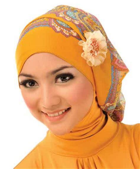 produsen anrka jilbab 2015 aneka model hijab modern untuk wisuda
