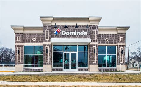 domino pizza dtc domino s pizza reaches 15 000 stores connect media