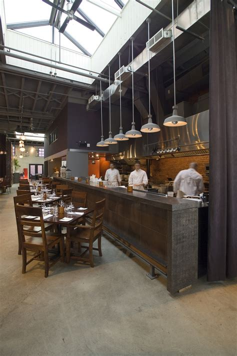 restaurants kitchen design 25 best ideas about open kitchen restaurant on pinterest