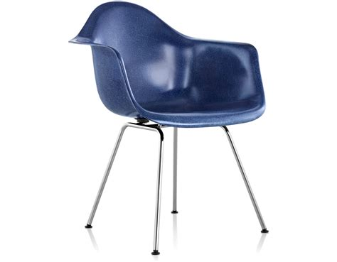 eames 174 molded fiberglass armchair with 4 leg base