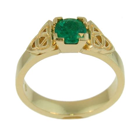 18ct yellow gold emerald ring cameron jewellery