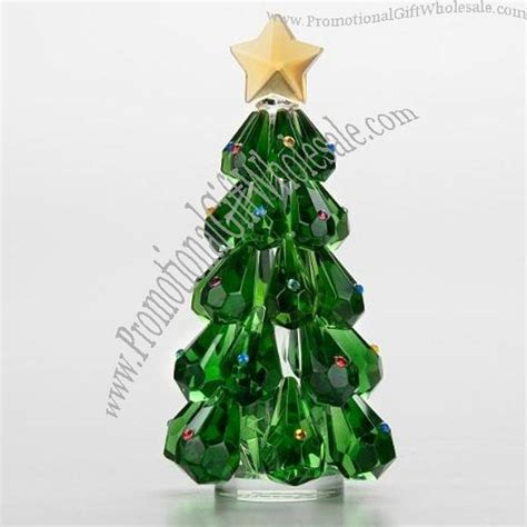 sorelle handcrafted christmas bulbs glimmering green tree with sorelle sparkling