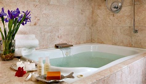 hotels with jacuzzi bathtub california hot tub suites hotels with private in room