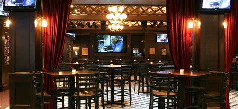 top sports bars in chicago chicago s top sports bars wheretraveler