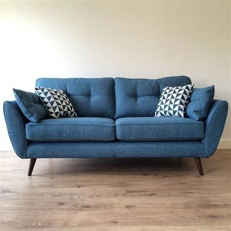 blue settee 25 best ideas about blue sofas on pinterest blue living