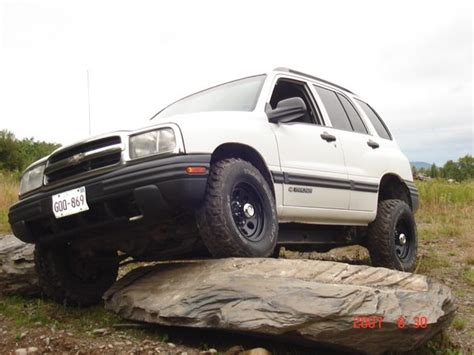 books about how cars work 2003 chevrolet tracker regenerative braking mud tracky 2003 chevrolet tracker specs photos modification info at cardomain