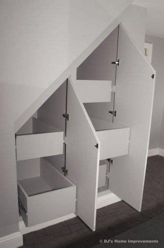 kleiderschrank unter treppe schr 228 nke unter der treppe selbermach ideen