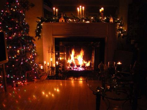 pin  jill  merry bright cozy christmas christmas night christmas fireplace