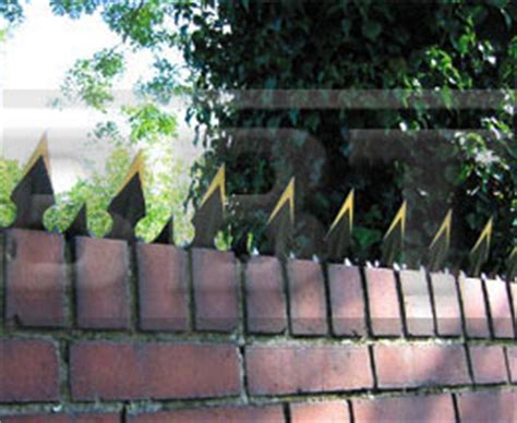 garden wall security castle wall spikes