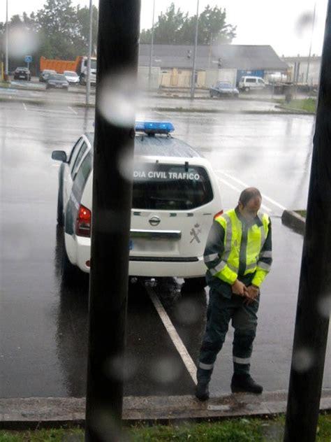 el radar el hombre en la burbuja 183 antena san luis a la guardia civil tambi 233 n le pillan los radares chistes con buen humor