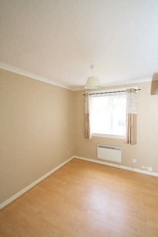 2 bedroom flat to rent dundee 2 bedroom flat to rent in traquair gardens broughty ferry dundee dd4