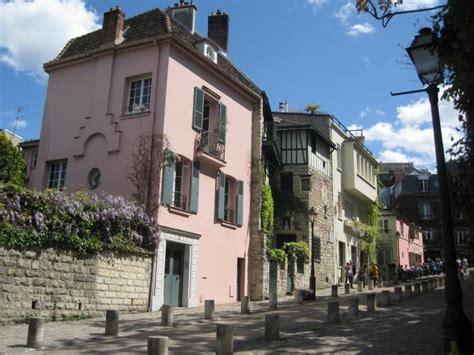 montmartre pariss village of 0062431897 visite montmartre village boh 232 me et secret jardins vignes et ateliers d artistes
