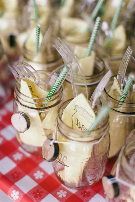 I DO BBQ wedding :: back yard wedding   Wedding ideas
