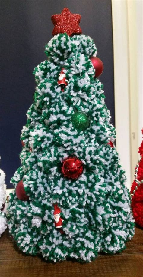 ideas  pom pom wreath  pinterest wreaths yarn wreaths  pom pom garland