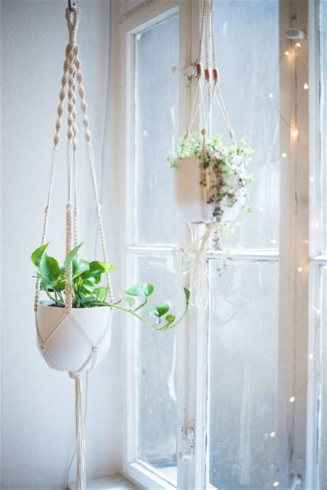 How To Make A Macrame Hanging Planter - handmade gift ideas macrame pot hangers