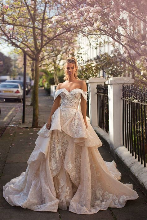 Best Off the Shoulder Wedding Dresses   Fab Wedding Dress
