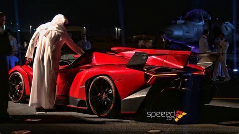 Lamborghini Veneno Roadster Owners Lamborghini Veneno Roadster Presentata Sulla Nave Cavour