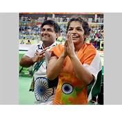 Rio Olympics Rs 25 Crore Reward For Sakshi Malik  Oneindia