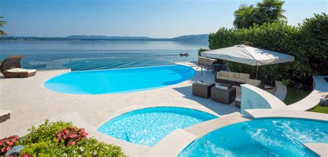 piscina in piscine con cascata piscine castiglione