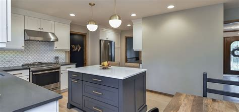 How To Choose The Right Kitchen Island Lights Home How To Choose Cabinet Lighting Kitchen