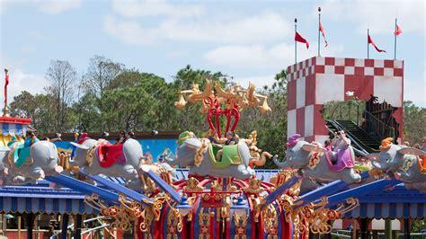 Disney Circus 5 reasons why we storybook circus at magic kingdom
