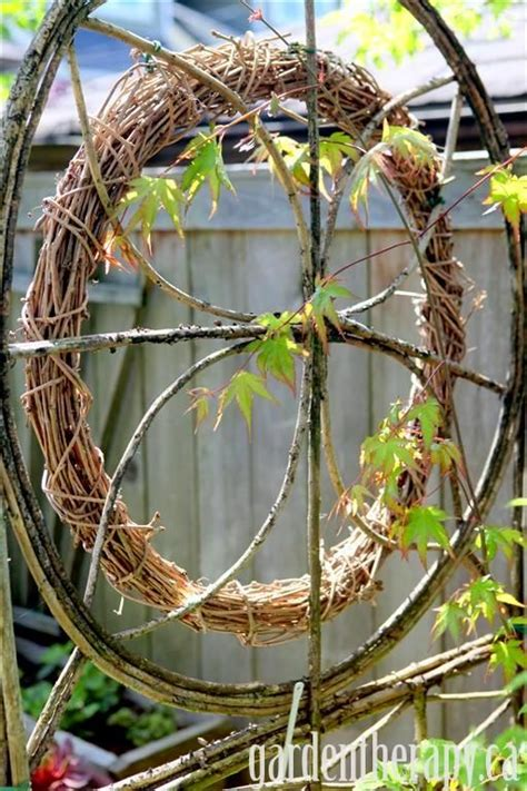 Vine Wreath Decorating Ideas by How To Make A Grapevine Wreath 15 Design Ideas