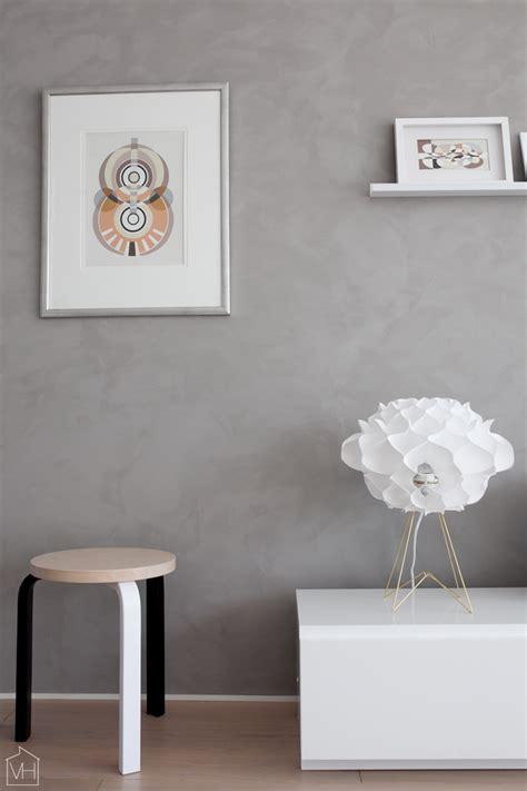 chalk paint maali olohuoneen betonimainen sein 228 valkoinen harmaja