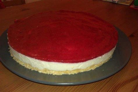 philadelphia kuchen mit g tterspeise philadelphia torte mit erdbeerspiegel rezept kochbar de