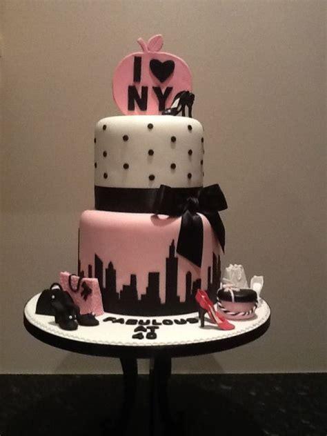 new york shopping cake   cake by cupcakecarousel   CakesDecor