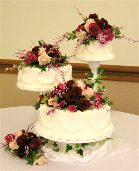 how to make a fresh flower wedding cake topper ehow wedding cake flowers fresh flowers for wedding cakes