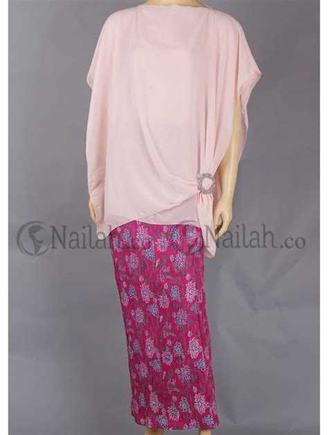 Stelan Kebaya Batwing Dusty 2 17 best images about busana pesta muslimah on