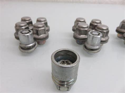 04 09 lexus rx350 rx330 rx400 wheel lug nuts set 19 pc w