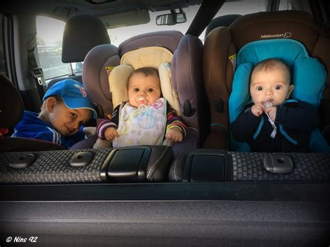 comment mettre un siege bebe dans la voiture s 233 rie 171 oh vous avez des jumeaux mais comment faites