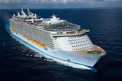 world s largest cruise ship hoe ziet het grootste cruiseschip ter wereld er van binnen