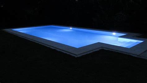illuminazione piscina fari a led per piscina vivi la piscina