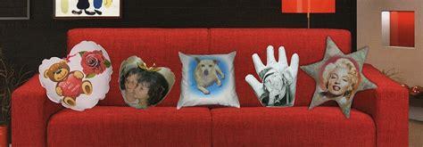 cuscini personalizzabili cuscini da divano dieci idee originali simpatiche e creative
