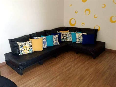 build a sectional couch diy pallet sectional couch 101 pallets