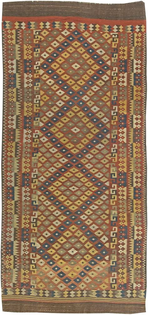 choosing an area rug expert answers how to choose the best area rug for your room