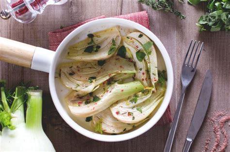 finocchi cucinare ricetta finocchi in padella la ricetta di giallozafferano