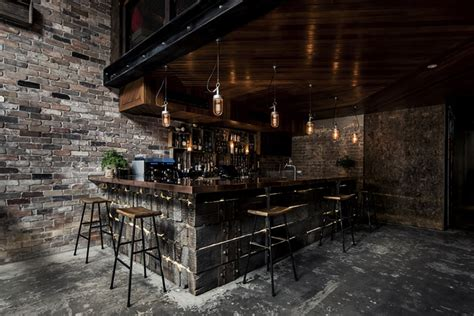 industrial look achieve the industrial look without concrete screed this sydney bar did it home decor