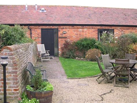 Cottages Chichester by Canute Cottages Chichester Cottage Reviews Photos