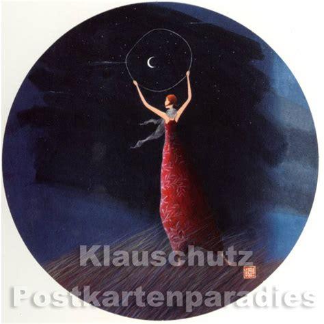 Runde Postkarten Drucken by Runde Postkarten Frau Mit Mond Blau