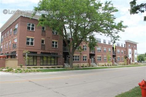 minnesota housing authority section 8 low income housing near 55302