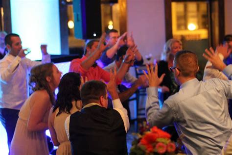 valley lighting appleton wi gold medal sound wedding dj service in appleton oshkosh