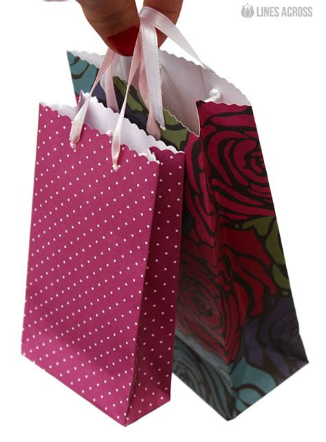 paper gift bag tutorial with lines across inspiration made simple